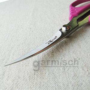 X'SOR 典雅繡花剪, 採日本不銹鋼材製造,質地細緻,開合間就能感受到如絲般的輕巧滑順.|加米修有限公司 SEWMATE.CO., LTD.